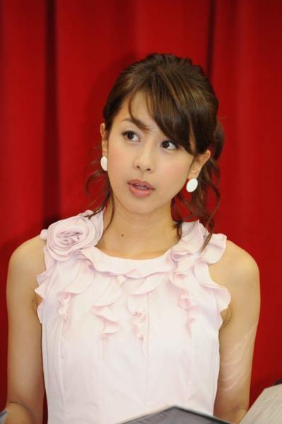 【女子アナ】命名「カトパンダ」加藤綾子 黒々目元から一転、整形隠しも囁かれる大きな涙袋の出現の怪