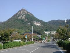 勝運をもたらす「日本一の大天狗が棲む神社」