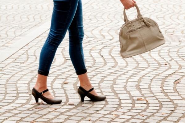 「自分の皮膚でレザーバッグを作りたい」55歳女性が44万円で職人を募集したワケ