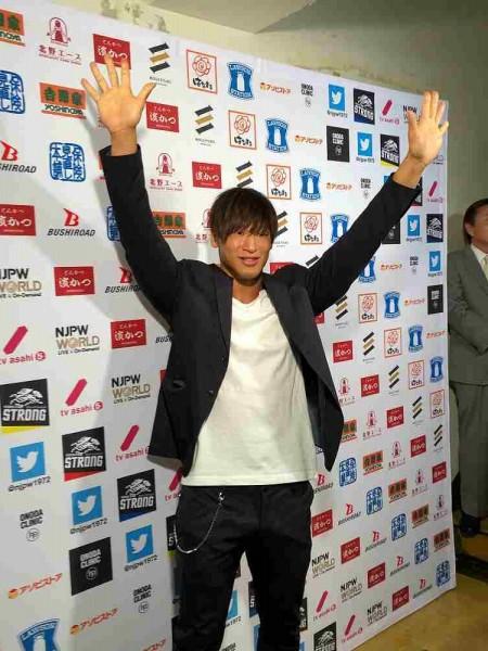 """飯伏幸太「棚橋さんが言ってた覚悟がわかった」新日本プロレスに""""生涯""""入団発表!"""