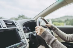 道路を10キロ逆走の71歳男、危険運転致傷で書類送検 Youtubeに公開された動画が話題