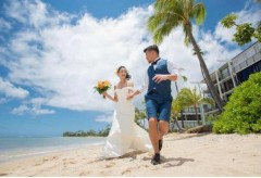 「幸せな家庭を築いていきたい」K-1ファイター・卜部弘嵩がモデルの高橋ユウとハワイで挙式!