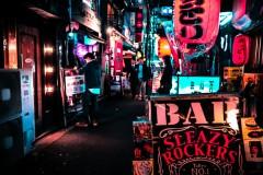 バーに女性を連れ込み借金させ、性風俗店に斡旋した大学生ら逮捕 被害女性の多さにネット驚愕