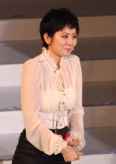 麻美ゆま 大久保佳代子からのサプライズに涙「DMMアダルトアワード2014」