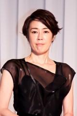 寺島しのぶら日本を代表する大物女優勢ぞろいでエール 六本木の新劇場オープン