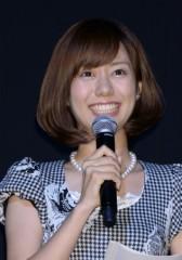 「番組終わってから行け」の声も 新婚旅行で『とくダネ!』休みの山崎アナに賛否両論