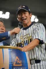 ラミレス監督が三浦コーチと共闘!「夏休み作戦」で巨人を撃つ