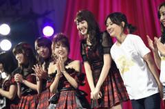 AKB48 劇場オープン10年祭 高橋みなみ「チケットを捨てずにいてくれた皆さん、本当にスゴイ!」