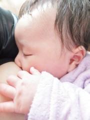 薬物依存症の母親の授乳で乳児が死亡、保護観察処分となるも「故意では」と厳しい声