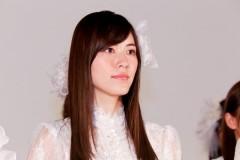 """SKE松井珠理奈、近影公開もまだ復帰のメドが立たない? """"作り笑い""""と感じるファンも"""