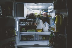 """""""殺害され""""冷凍庫に入れられていた女性、2日後に""""生き返り""""冷凍庫から脱出 ネットでは驚愕の声続々"""