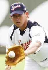 中日・松坂大輔、6勝4敗で6500万アップの8000万で契約 異例の昇給に物議