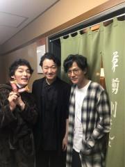 草なぎ剛、実力派揃いの舞台で存在感 稲垣吾郎も観劇後「ありがとう」と感動を表現