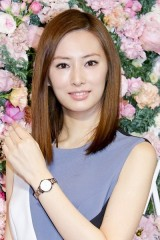10月放送北川景子主演『フェイクニュース』、早くもメディアを翻弄? 『逃げ恥』脚本家が手がける