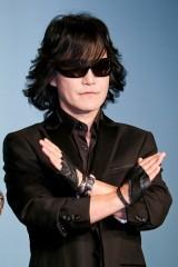 緊急手術を受けたYOSHIKIはピアノで参加! X JAPANの日本ツアーが決定