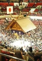 """過酷な移動が続く大相撲地方巡業、""""東西力士を入れ替え""""が効果あり?"""