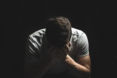 """咀嚼音が許せず激昂""""危険人物扱い""""されていた41歳男性、病気と判明 共感の声が続々?"""