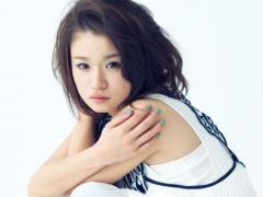 """fumikaの""""POWERの源""""は「よく食べる・よく寝る・よく歌う」 ラジオで共演するAKB48小笠原茉由の裏の顔も語る"""