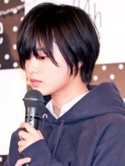 """体調不良?クールな演出? 欅坂46平手のパフォーマンスに""""放送事故レベル""""の声も"""