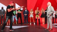 WWE史上最大の同窓会が実現!ホーガン、オースチン、フレアーも健在!