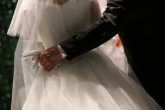 「母が大学でナンパ代行」「求人広告で息子の花嫁募集」 過干渉な親の代理婚活、各国で