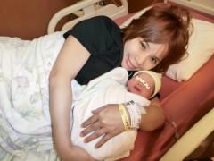 """浜田ブリトニー、常識外れの「出産後写真」に批判 応援の声が""""炎上""""になる日も近い?"""