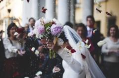 花嫁の「髪を染めないと結婚式に参加させない」発言が物議 花嫁の言い分に賛同の声も?