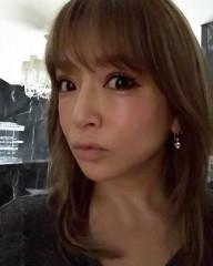 浜崎あゆみ、号泣動画をインスタに掲載 「究極のかまってちゃん」と辛辣な声も