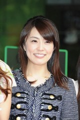 小林麻耶 結婚・引退発表に胸をなでおろす「海老蔵ママ」の本音