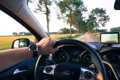 """""""義務化しなければ意味がない""""の声も 高齢者ドライバー向け「安全機能付き運転免許」は選択制"""