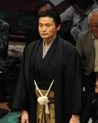 横野レポーター「相撲協会からお金をもらっているわけではない」 古市氏、三浦氏納得いかず?
