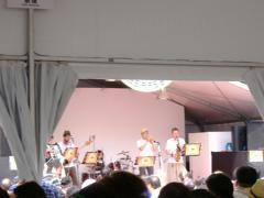 ビールの祭典・日比谷オクトーバーフェスト2011が開催中