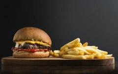 韓国、ブチ切れ「ハンバーガー投げつけ事件」はなぜ度々起きる?【モンスタークレーマー事件簿】