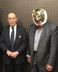"""「来年は初代タイガーをWWEに上げたい」""""過激な仕掛け人""""新間寿会長が明言!"""