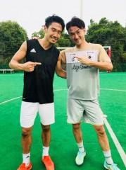 香川選手との2ショット公開! W杯便乗SNS、なぜナオト・インティライミだけ批判がない?