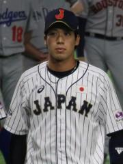 新旧背番号「1」の共演に ヤクルト・山田哲人がサイクルヒットを達成