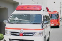 「はよ運ばんかい」救助に来た救急隊員に暴言・暴力で45歳男を逮捕 ありえない行動に怒り殺到