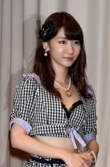 例年なら総選挙の時期に異例のイベント! AKB48、人気回復に向け地道な営業を始める?