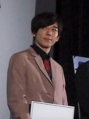 歌手デビューの高橋一生 主演映画がピンチ、話題のドラマで巻き返しなるか