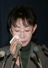"""38歳息子に""""親の責任""""はある? 三田佳子の次男逮捕へのコメントに波紋"""