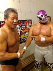 「まだやりたい思い出の選手はいる」藤波辰爾と対戦のカネックが33年振りに握手!
