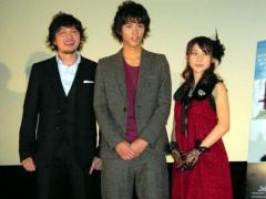 初スキャンダルが発覚した大物女優が叔母のイケメン俳優・賀来賢人
