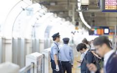 駅員にタブレットを投げつけた75歳男、キレた原因は電車遅延【キレる高齢者事件簿】