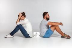 離婚申請の理由は「夫が臭い」? スッピンに衝撃、LINEの既読スルーなど仰天の離婚理由も