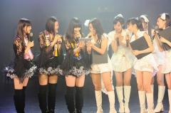 東京パフォーマンスドール、9日連続のアイドル対バン「東京号泣ライブ」が熱い!