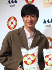 田中圭、家庭では自分でご飯を炊かない? 「雪若丸」CM撮影の赤面エピソードを披露