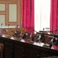 女性職員の机を物色、土下座謝罪の富山市議、議会に姿見せず 元「日本維新の会」にも注目集まる