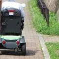意外にスピードが出て危険? 免許不要の「シニアカー」問題が全国で急増、死亡事故も
