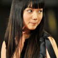 V6岡田准一と新婚生活中の宮崎あおい 看板女優なのになぜ事務所を移籍した?