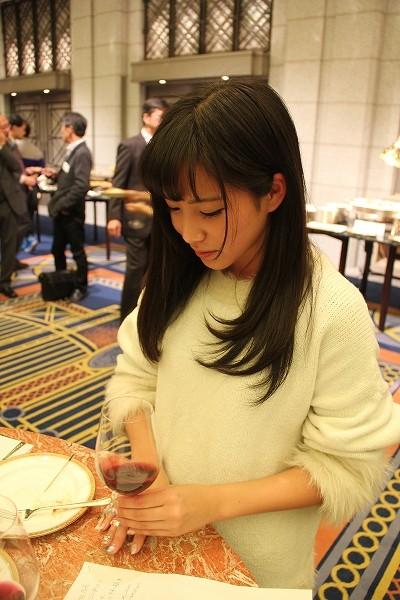 「ボジョレー」解禁! 36種類ものワインがズラリ「メルシャン 利き酒会」